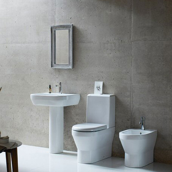 Bathroom suite britton Curve